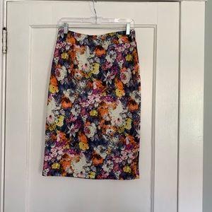Dresses & Skirts - Floral Print Stretchy Pencil Skirt